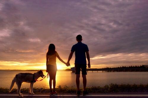 Se segurar a minha mão, podemos atravessar a vida até chegar onde o sol se põe...