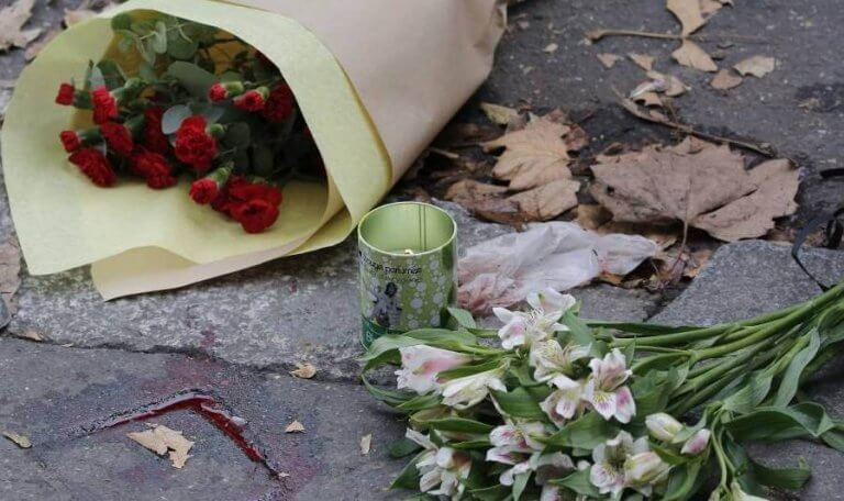 Homenagens após atentado terrorista