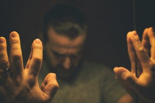 Síndrome do homem irritável: a crise dos quarenta anos?