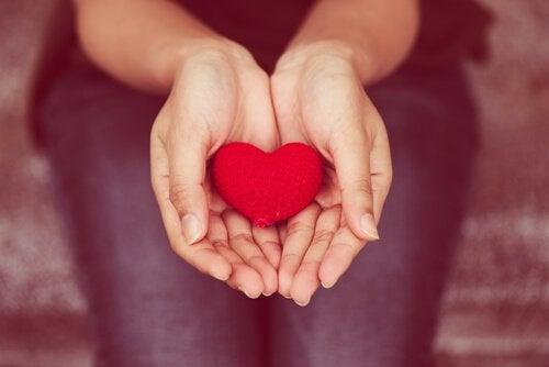 Comunicação empática: a arte de dar com o coração