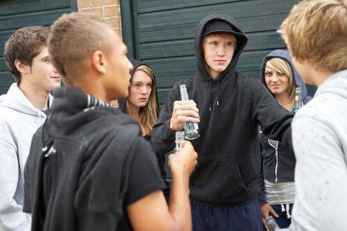 Como lidar com adolescentes rebeldes?