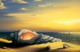Concha gigante na praia