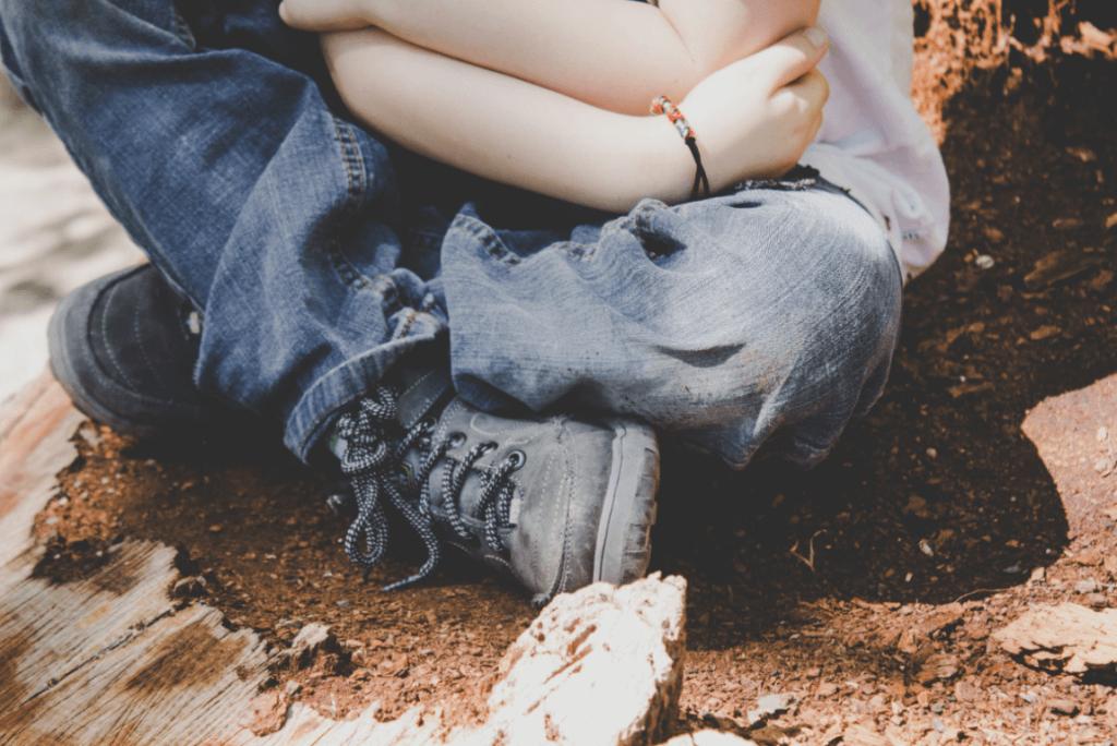 Criança que não sabe lidar com seus problemas emocionais