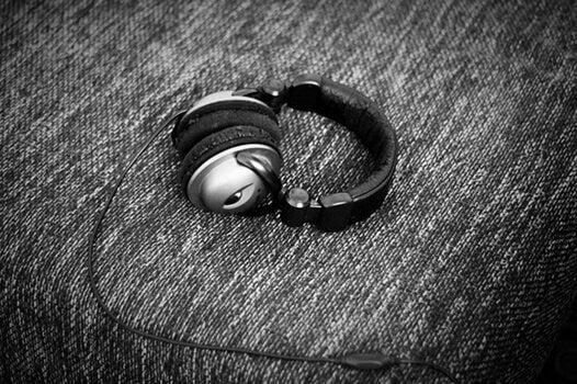Fone de ouvido para ouvir música