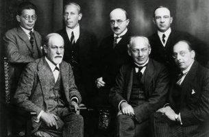 Freud e outros autores da psicanálise