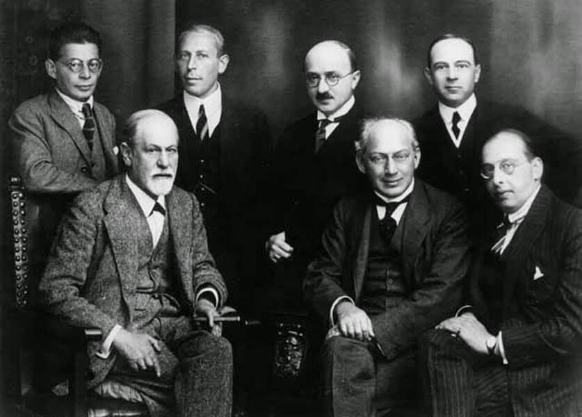 Muito além de Freud: escolas e autores da psicanálise