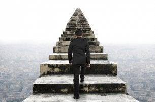 A diferença entre insistir e persistir