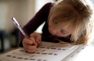 Aprendizado lento: uma variedade ou uma anomalia?