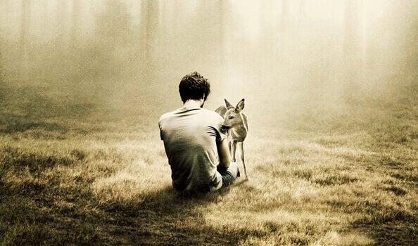 Homem que sente medo da solidão