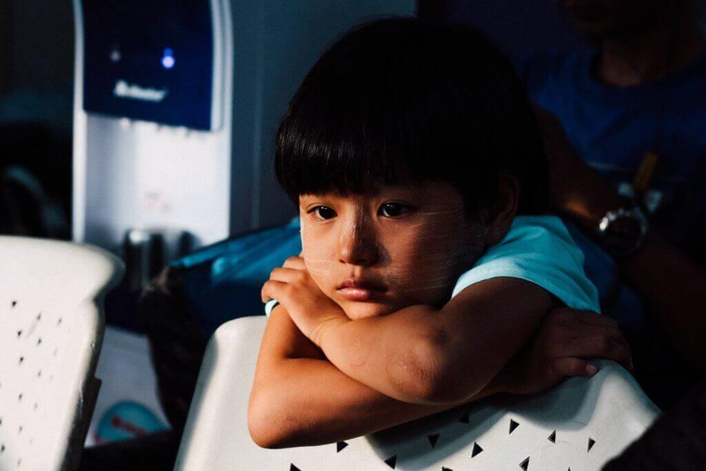 Criança com problemas emocionais