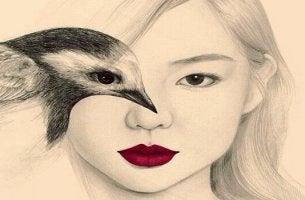 Mulher com pássaro representando o poder da sugestão