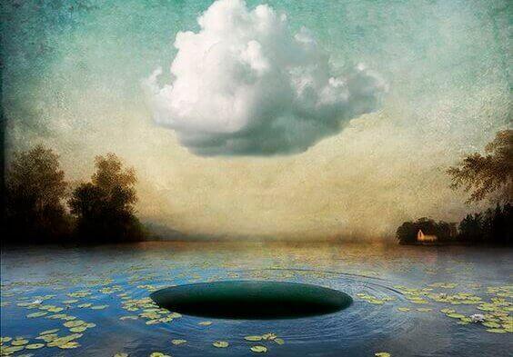 Lago com buraco e nuvem