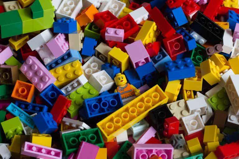 Você sabe quais são os benefícios psicológicos do LEGO?