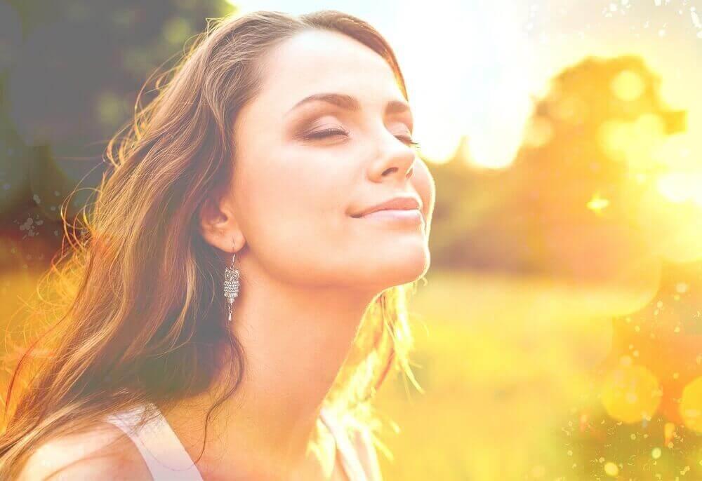 Feedback facial: como enganar o cérebro para ser feliz