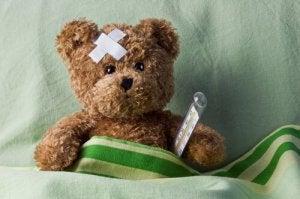 Ursinho de pelúcia doente