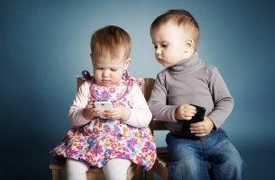 Razões para não deixar o celular com uma criança