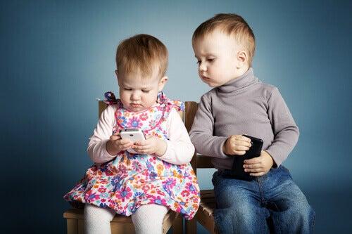 3 boas razões para não deixar o celular com uma criança