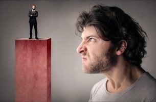 O que caracteriza a inveja?