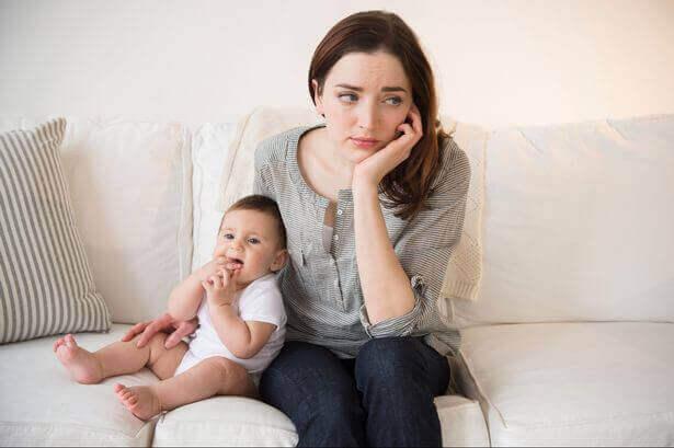 Mãe com seu filho bebê