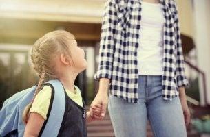 Ajude o seu filho a ter o melhor primeiro dia de aula