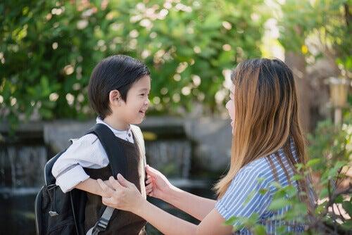 Como lidar com o primeiro dia de aula dos filhos?