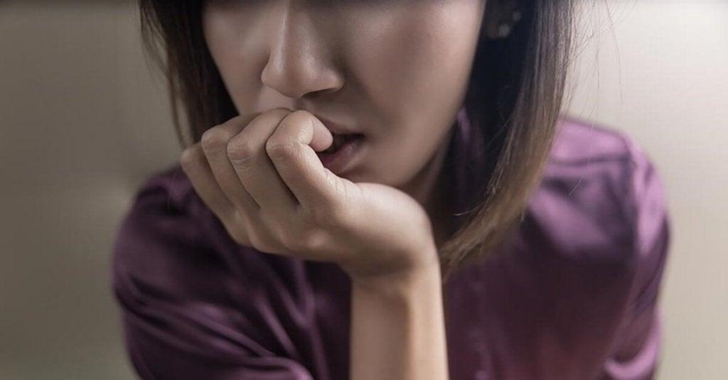 Mulher com transtorno misto ansioso e depressivo