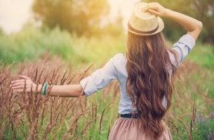 A felicidade é a certeza de não se sentir perdido