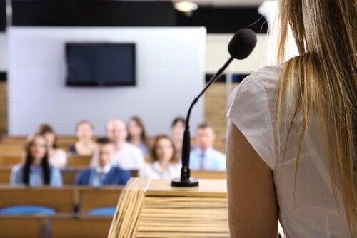 3 estratégias para vencer o medo de falar em público