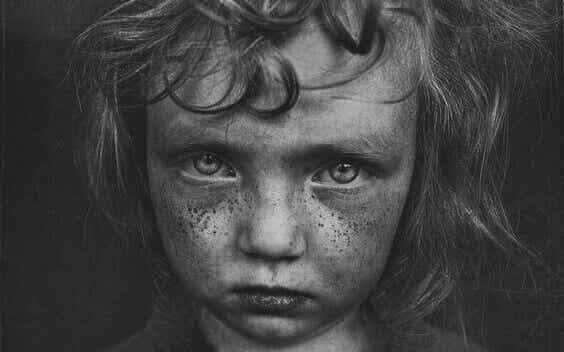 5 características associadas a traumas de infância