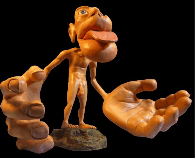 Boneco com formas estranhas