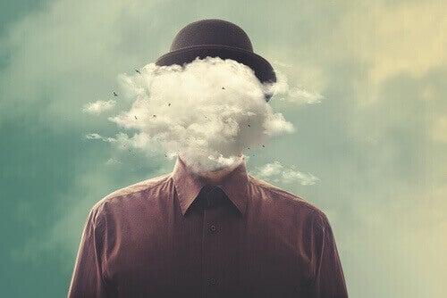 Homem com nuvem no lugar da cabeça