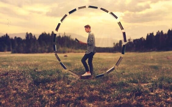 Homem representando o pensamento equilibrado