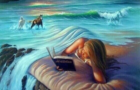 Mulher lendo coberta pelo oceano
