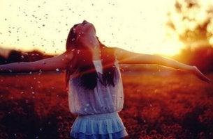Paradoxo da felicidade: o que é e como funciona?