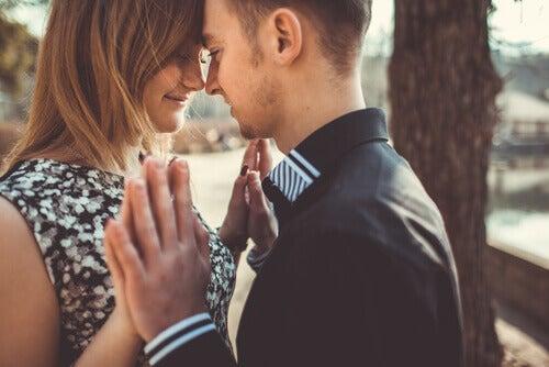 Aprender a amar em relacionamentos equilibrados e saudáveis