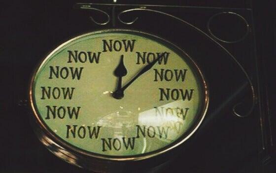 Relógio mostrando o agora