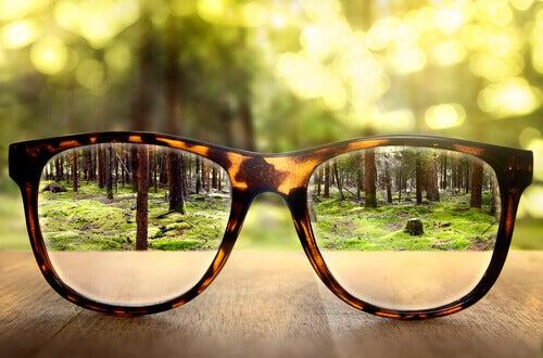 Óculos para enxergar com nitidez
