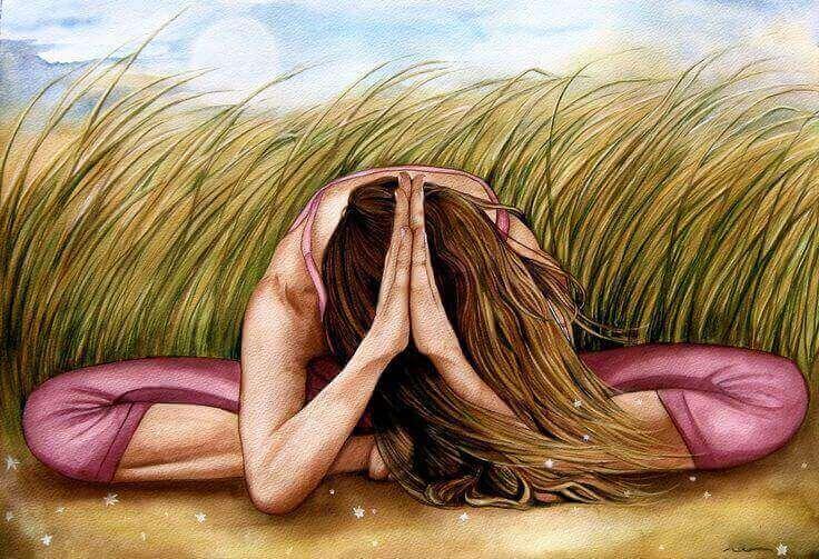 Mulher meditando na natureza
