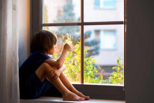 A ansiedade de separação e a importância do apego para a saúde das crianças