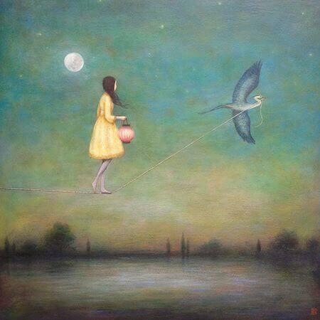 Menina andando em corda puxada por pássaro