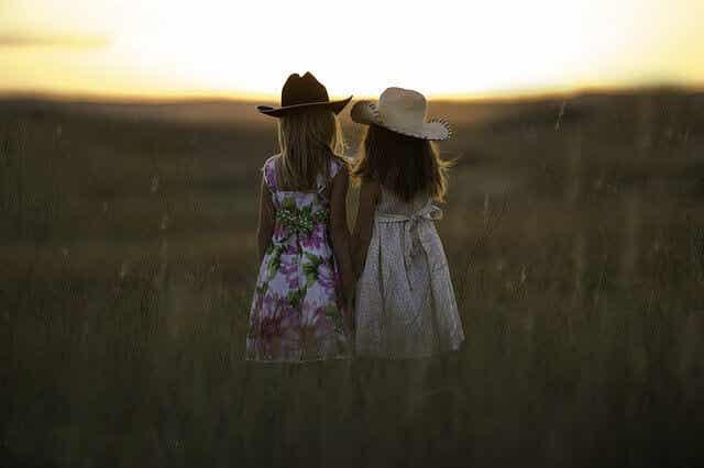 Relações de amizade: como evoluem ao logo da vida?