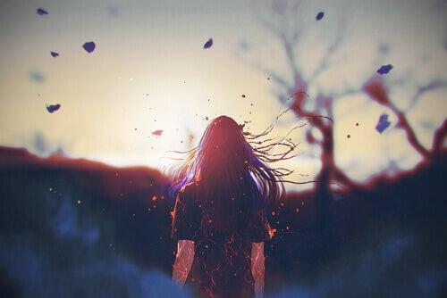 Menina com cabelos ao vento