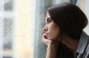 Mulher com transtorno bipolar