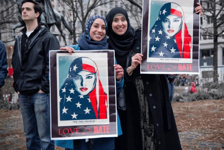 Mulheres muçulmanas em protesto