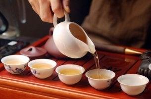 Cerimônia do chá e meditação consciente