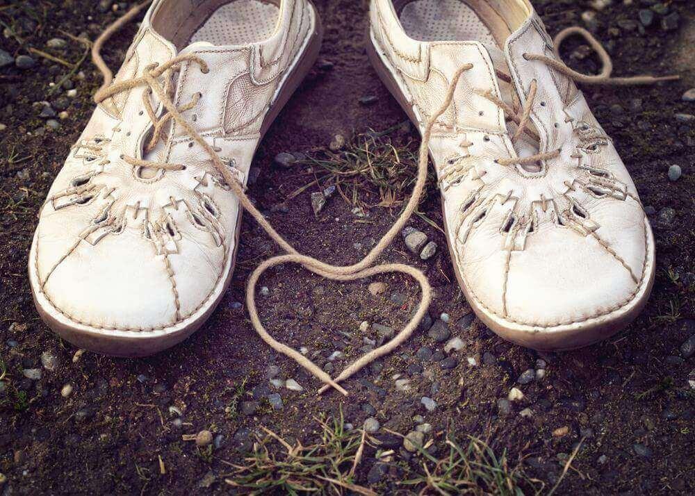 Cadarço de tênis em formato de coração