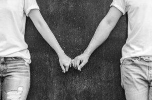 Amor requer demora, comprometimento e dedicação