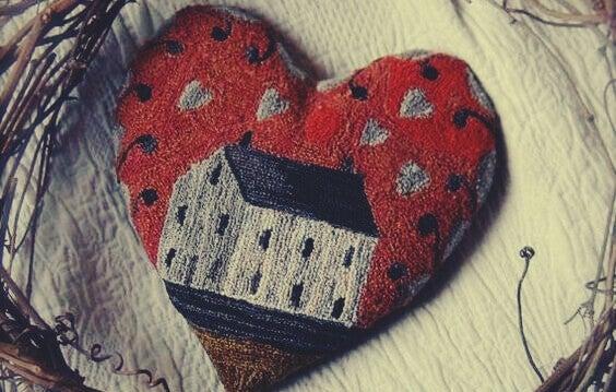 Casa desenhada em coração