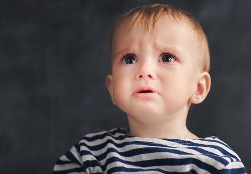 Criança chorosa
