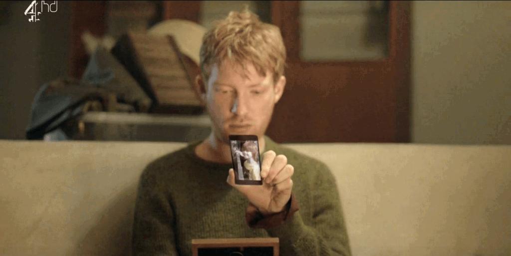 Black Mirror: cena do episódio'Volto logo'